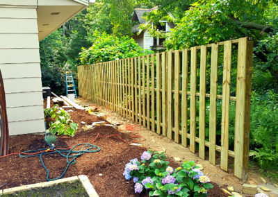 wiegand-fence-construction_seal-once_golden-oak_residential-wood-fence_quikrete_fence-construction